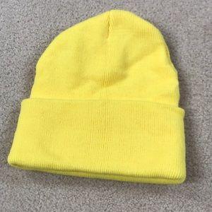 Accessories - Yellow beanie